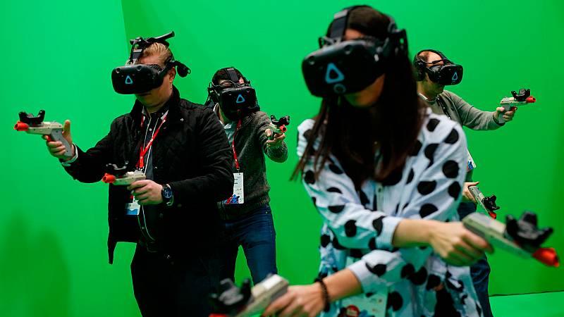 La realidad virtual sigue superando escollos en su lento camino hacia la madurez. Después de irrumpir con fuerza hace dos años y luego decaer, ahora parece haberse recuperado, apuntando a un futuro que no se centra exclusivamente en el entretenimient