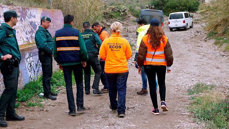 El operativo de búsqueda del niño Gabriel, formado por 200 personas, sigue una semana después en Almería