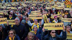 """45.000 personas se manifiestan en Barcelona para exigir un Govern que """"active la república"""""""
