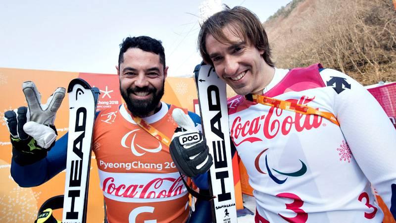 """El esquiador español discapacitado visual Jon Santacana se mostró  """"muy contento"""" por haber logrado este martes, junto a Miguel Galindo,  la plata en la supercombinada del esquí alpino de los Juegos  Paralímpicos de PyeongChang (Corea del Sur), éxito"""