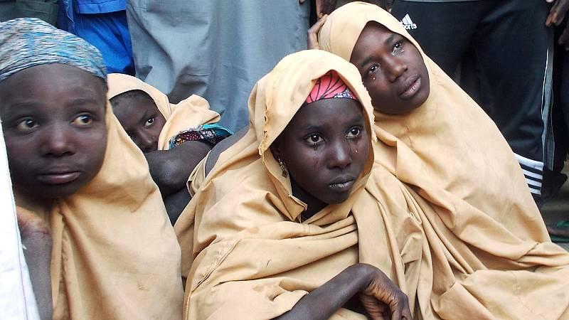Boko Haram libera en Nigeria a 91 niñas del centenar secuestradas en febrero