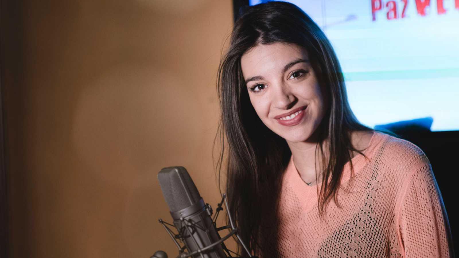 Fugitiva -  ¡Así ha grabado Ana Guerra la cabecera de 'Fugitiva'!