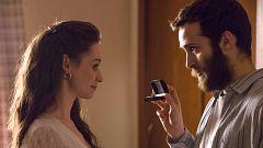 Cuéntame cómo pasó - La original propuesta de matrimonio de Carlos a Karina