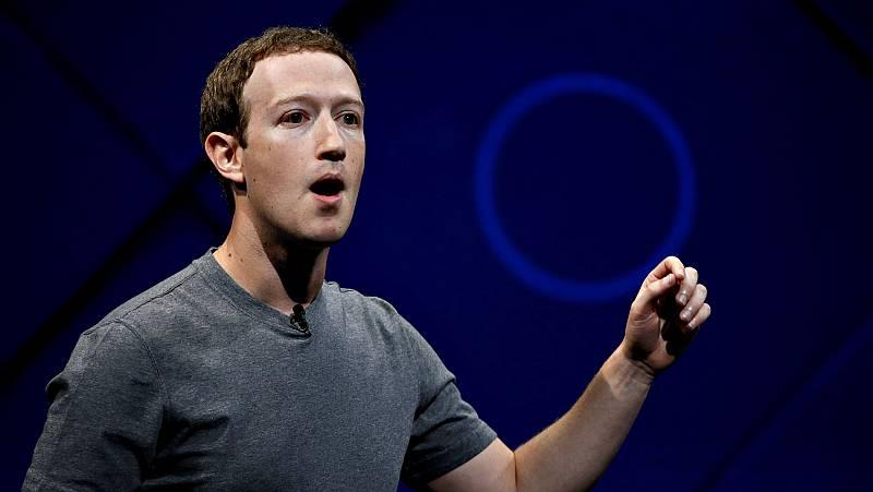 """Zuckerberg promete corregir """"errores"""" ante el escándalo por la fuga de datos de millones de usuarios"""