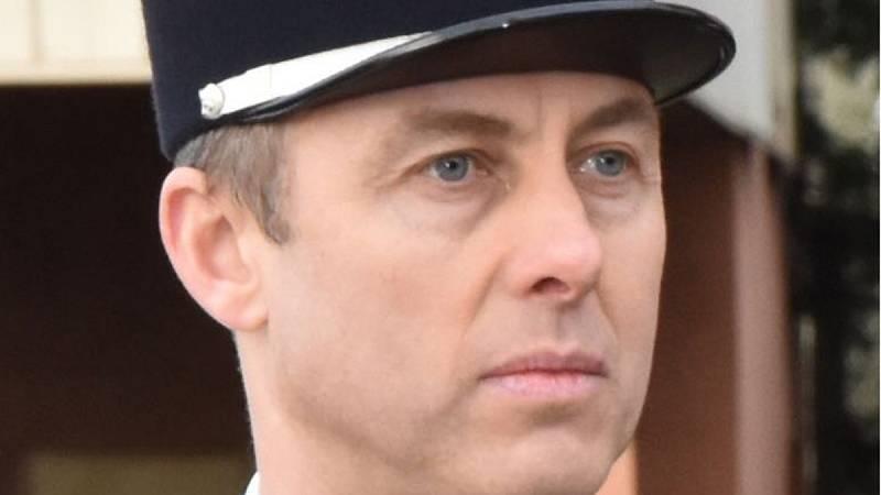 Francia rinde homenaje al gendarme que se intercambió por una rehén en el ataque de Trébes