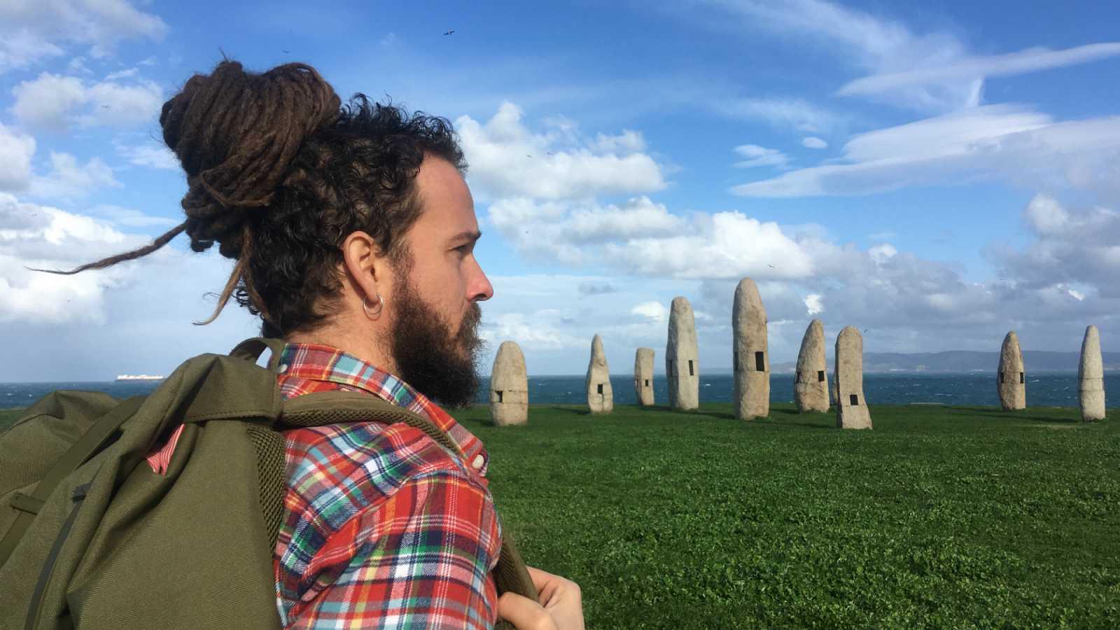 Surfeando sofás - 'Surfeando Sofás', el nuevo programa de viajes de Playz que mostrará la hospitalidad de España y cómo viajar con bajo presupuesto
