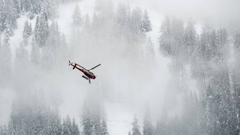 Mueren tres españoles y otros dos resultan heridos en una avalancha de nieve en Suiza