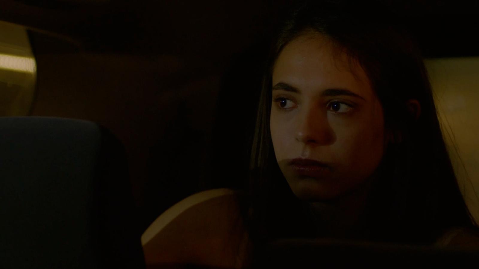 """Fugitiva - Magda a Paulina: """"Eres una mujer, puedes ser cualquier cosa pero no débil"""""""