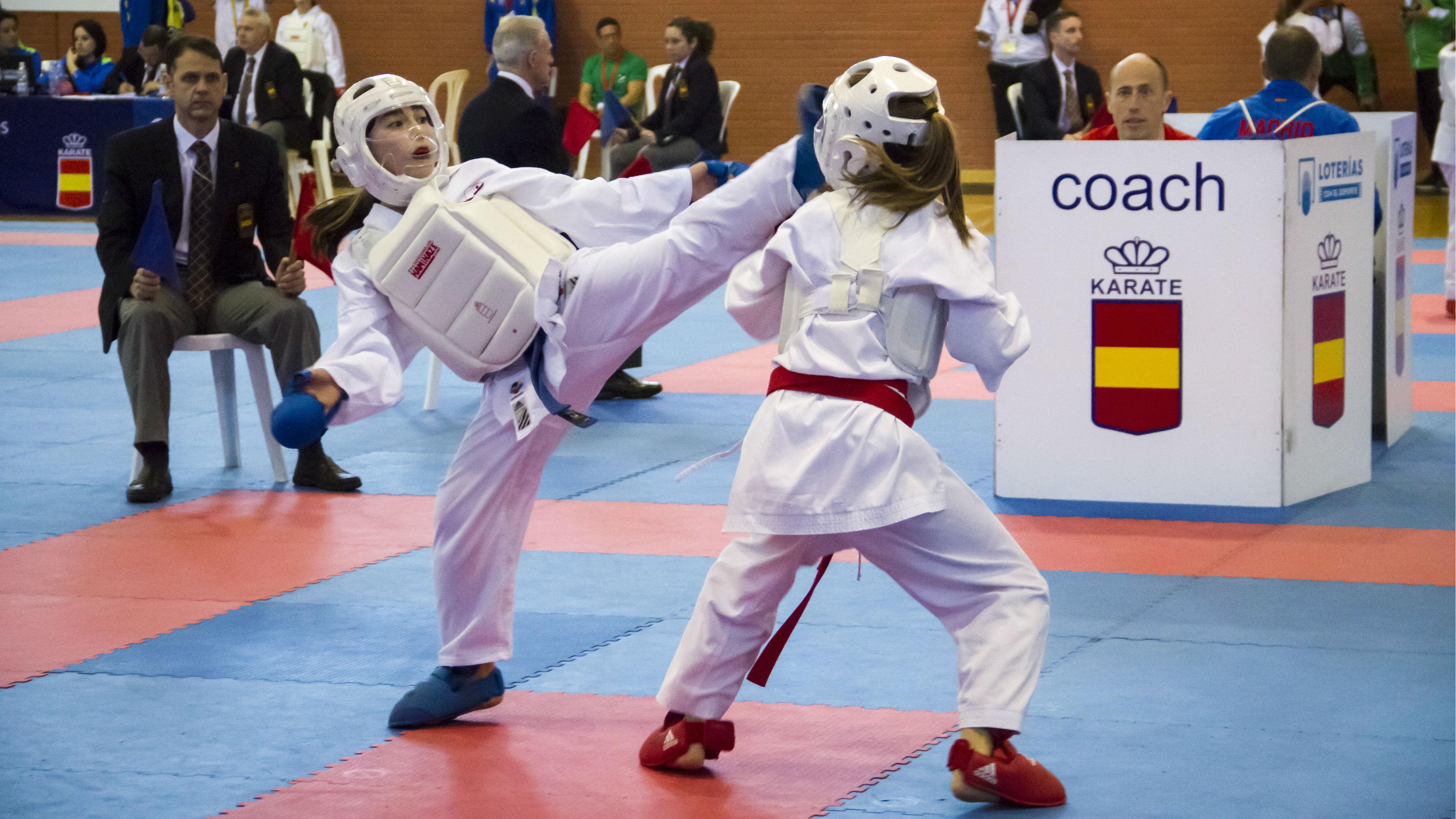 Resultado de imagen de kumite karate niños