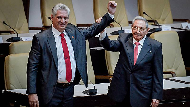 Raul Castro entrega el liderazgo de Cuba a Miguel Díaz-Canel