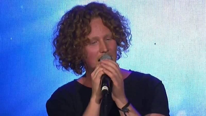 Eurovisión 2018 - Alemania: Michael Schulte canta 'You let me walk alone' en la EsPreParty