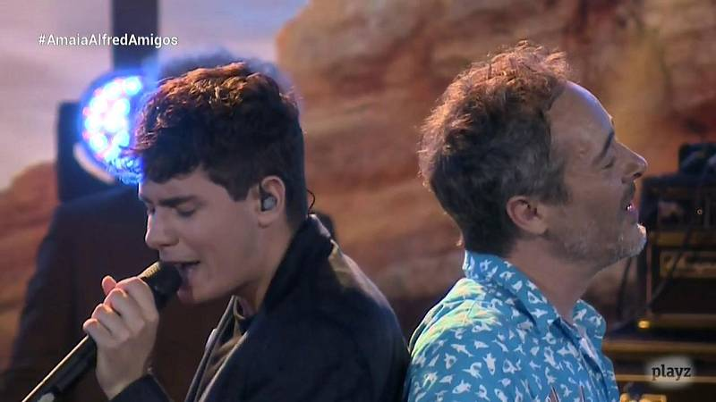 OTVisión - Alfred canta junto a Love of Lesbian 'Fantastic shine'