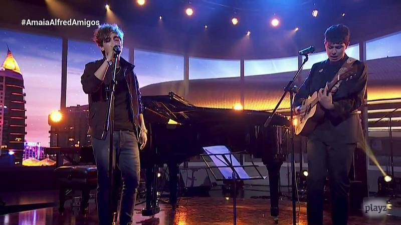 OTVisión - Alfred canta 'Que nos sigan las luces' junto a Manel Navarro