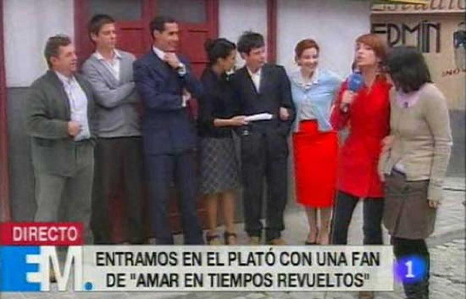 """El programa de La 1 de TVE """"Esta mañana"""" visita el rodaje de """"Amar en tiempos revueltos"""" junto a una fan de la serie"""