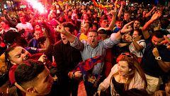 Canaletas empieza a recibir a los culés festejando la 25ª Liga del Barça