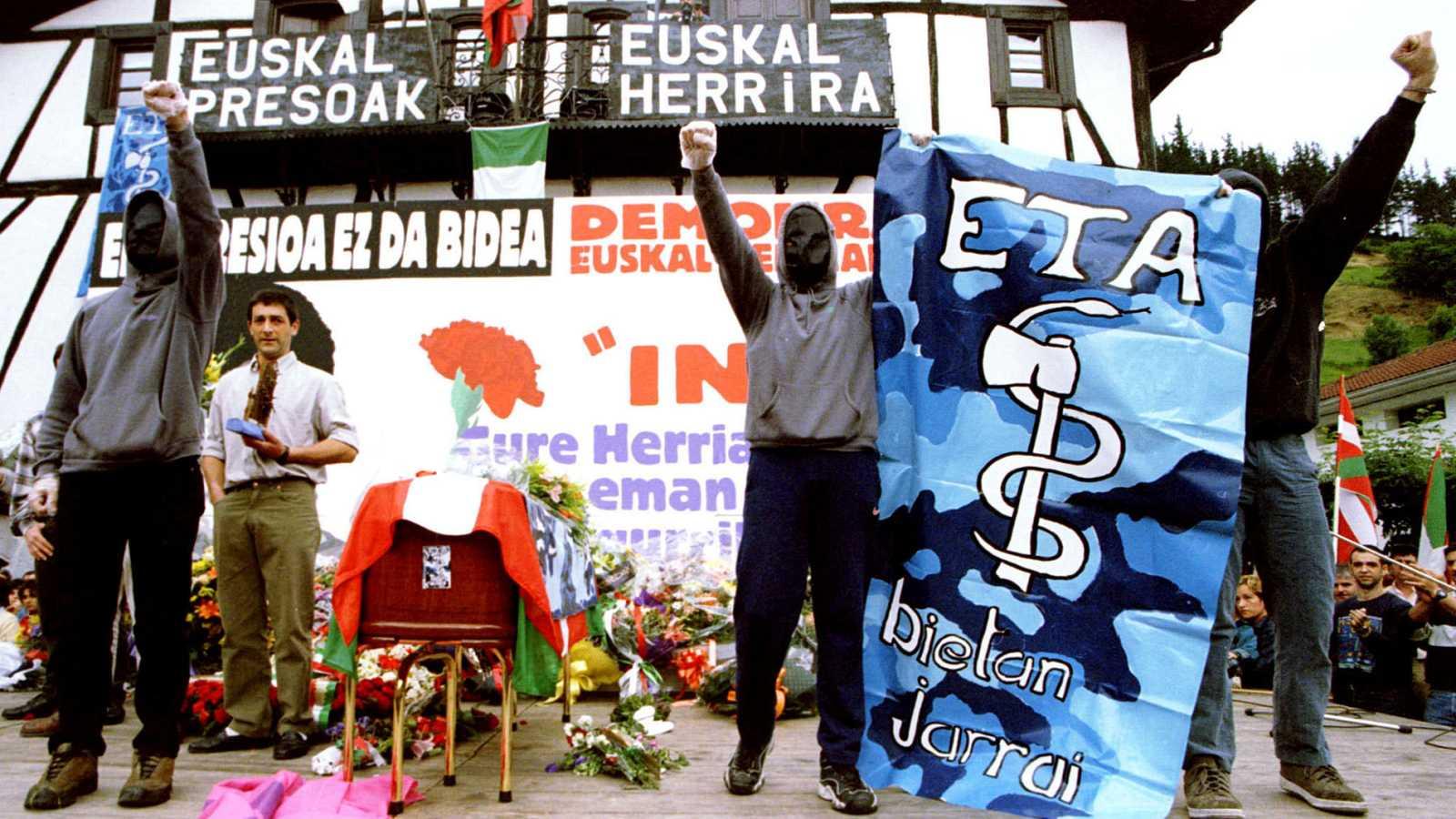 ETA anuncia por carta el final de su ciclo tras más de cinco décadas de actividad