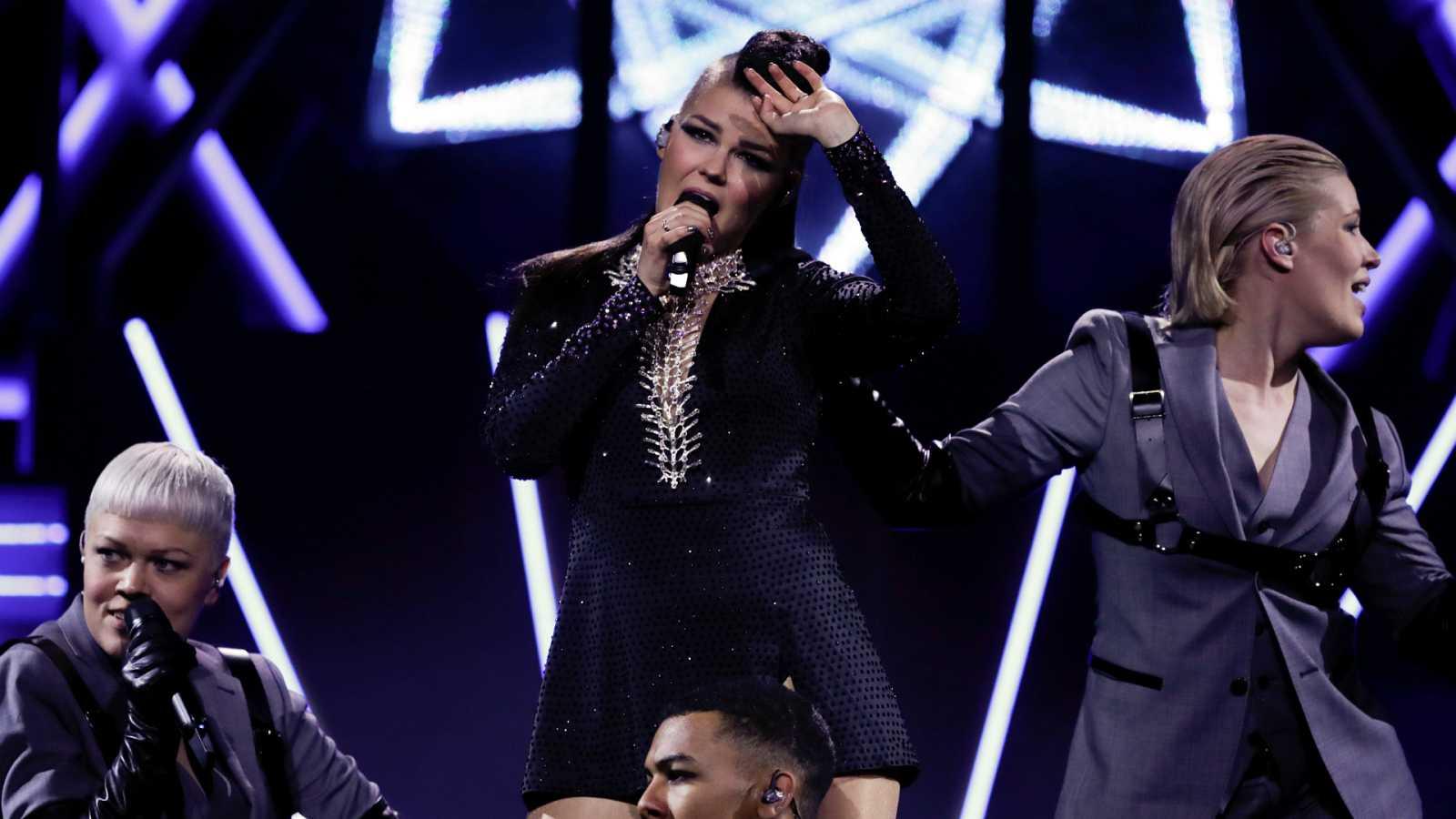 """Eurovisión - Finlandia: Saara Aalto canta """"Monsters"""" en la primera semifinal de Eurovisión 2018"""