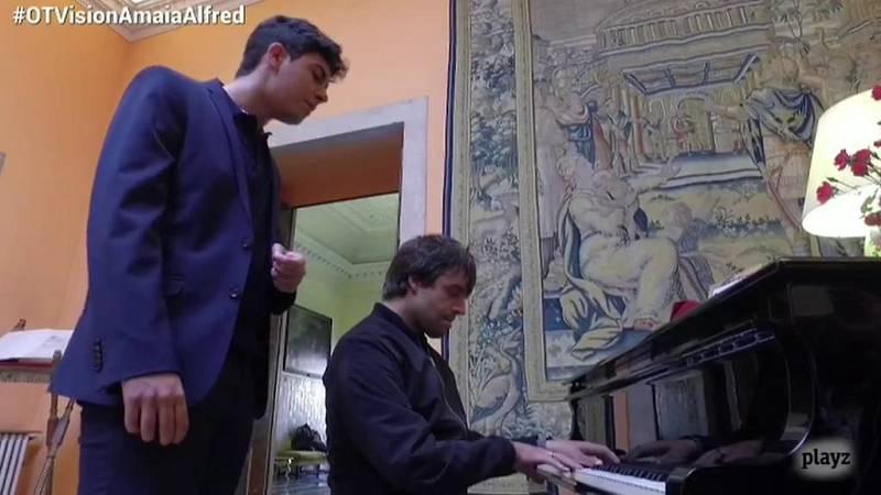 """Eurovisión 2018 - Alfred y Manu Guix interpretan """"Amar pelos dois"""""""