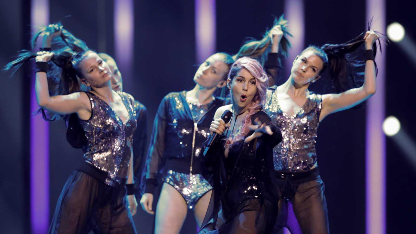 """Eurovisión - Eslovenia: Lea Sirk canta """"Hvala, ne!"""" en la segunda semifinal de Eurovisión 2018"""