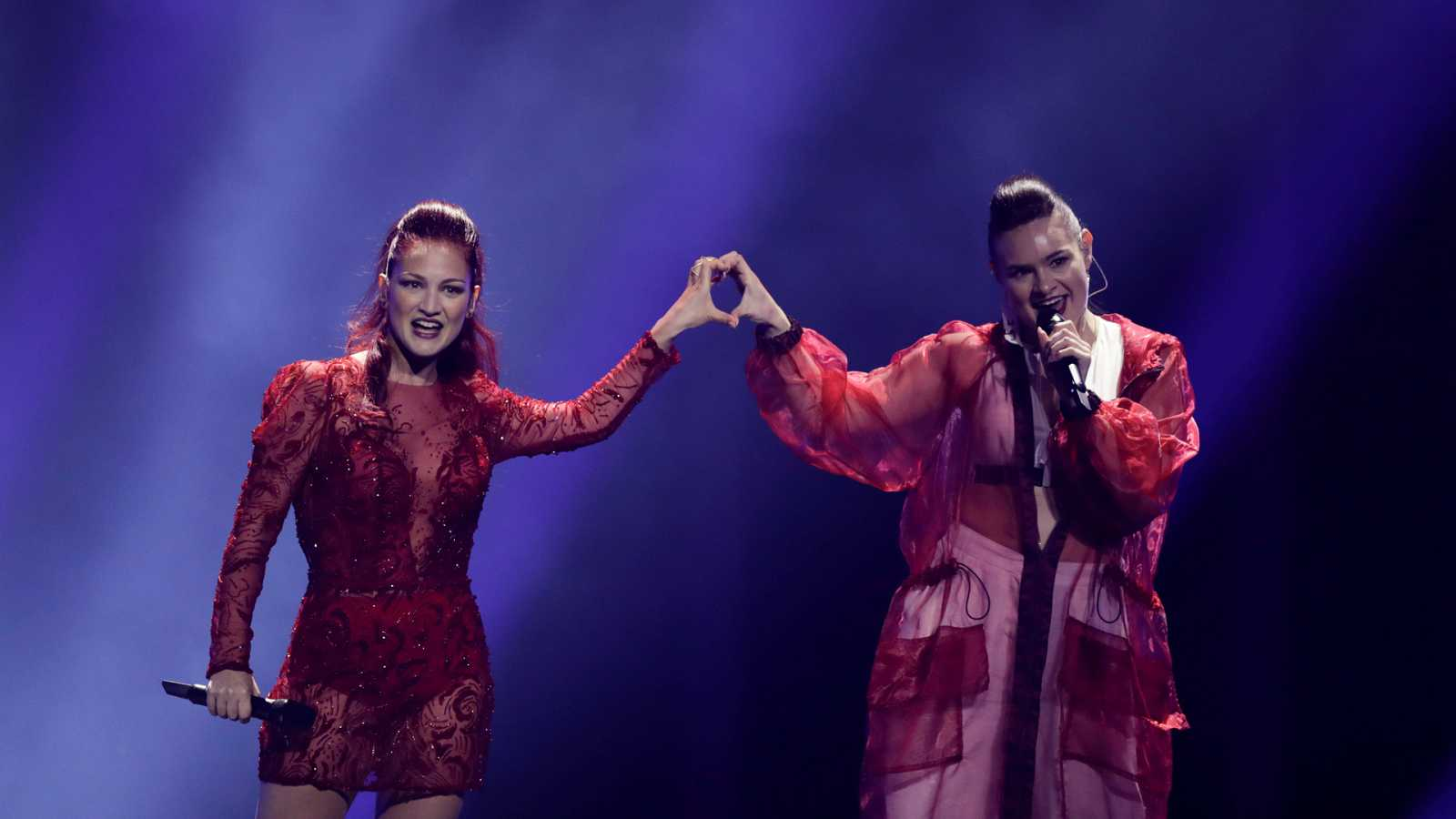 "Eurovisión ¿ San Marino: Jessika y Jenifer Brening cantan ""Who we are"" en la segunda semifinal de Eurovisión 2018"