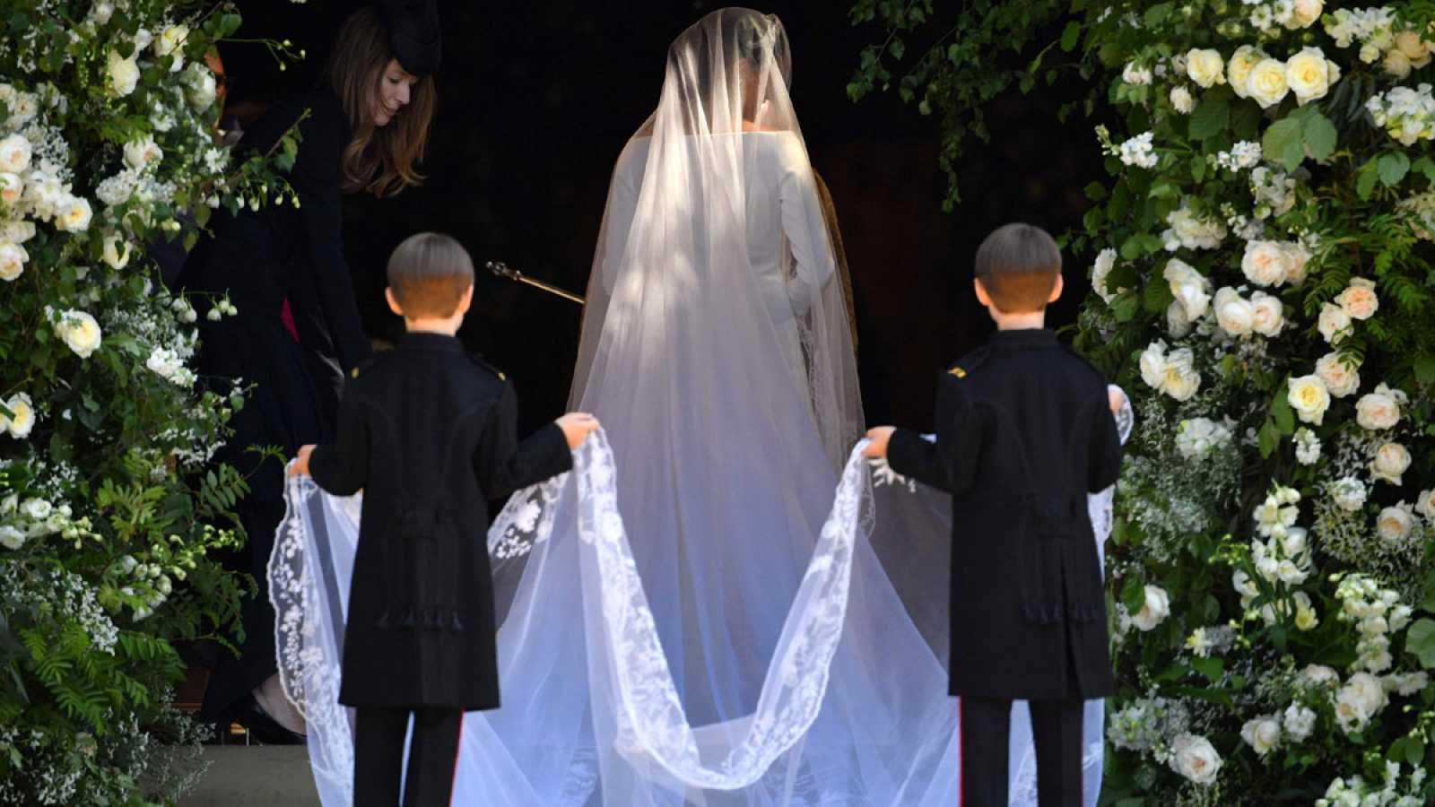 El príncipe Enrique, nervioso ante la llegada de Meghan Markle a la iglesia