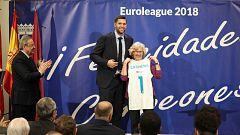 El Madrid de basket pasea la Décima por el Ayuntamiento y la Comunidad