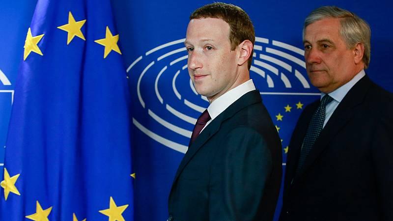 Zuckerberg pide perdón por la fuga de datos de Facebook ante el Parlamento Europeo