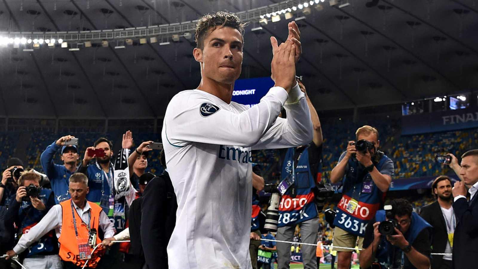 """El portugués Cristiano Ronaldo dejó un mensaje que sonó a  despedida al asegurar que """"fue muy bonito estar en el Real Madrid"""",  que ahora solo hay que """"disfrutar este momento"""" y que en los próximos  días dará """"una respuesta a los aficionados"""", despué"""