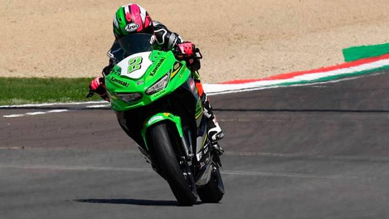 La piloto español Ana Carrasco ha sumado una nueva victoria en Donington Park que refuerza su liderato en la categoría.