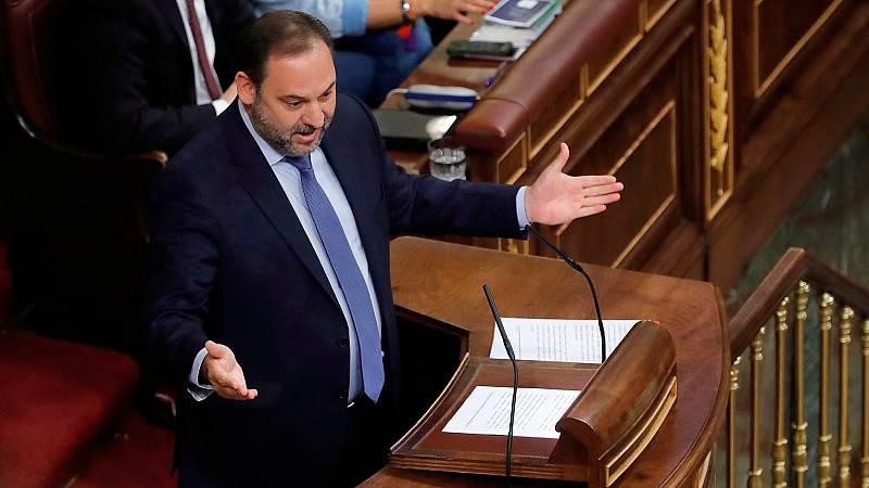 Ábalos y Rajoy se reprochan mutuamente la corrupción en sus partidos