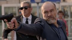 Fugitiva - Velasco dispara a Alejandro