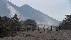 Los fallecidos por la erupción del volcán de Fuego en Guatemala ascienden a 33