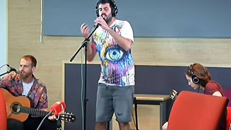 """Las mañanas de RNE - La Pegatina interpreta en directo """"Sonqueson"""" - Escuchar ahora"""