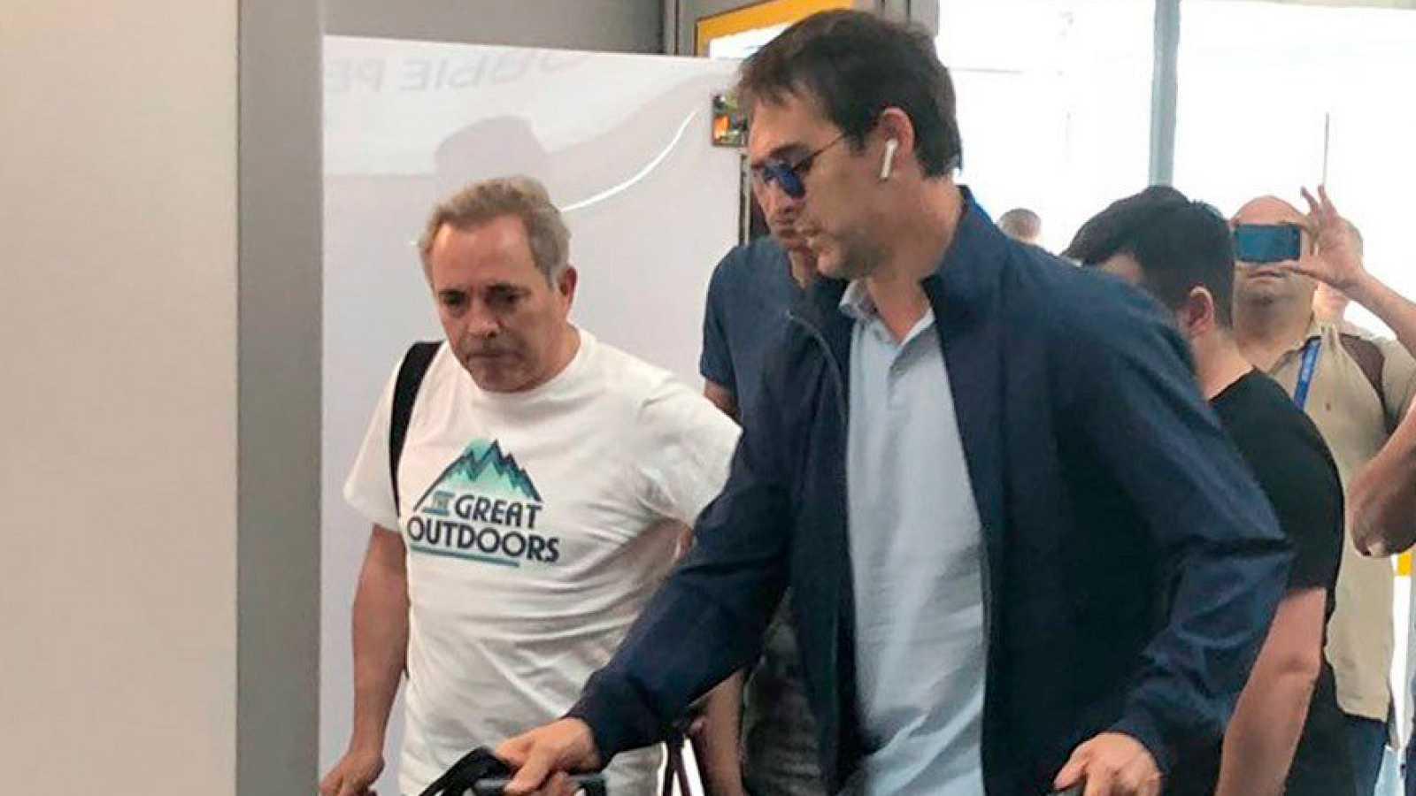 """Julen Lopetegui reconoció que regresa a Madrid """"muy triste"""", tras ser destituido como seleccionador de España, a dos días del inicio del Mundial 2018, y deseó suerte al conjunto español en la competición."""