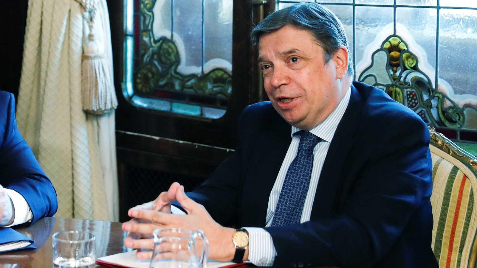 El PP pide la dimisión del ministro de Agricultura, imputado por un caso de robo de agua en Doñana