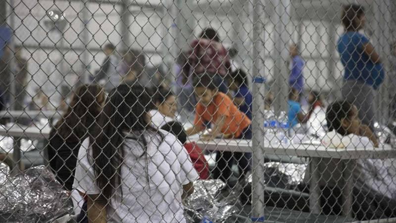 """Trump: """"Si los padres entran ilegalmente, hay que apartar a los niños"""""""
