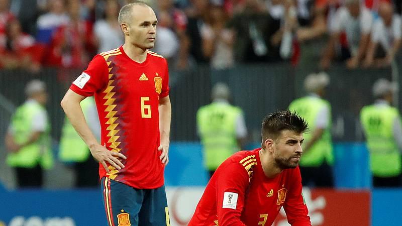 Con la retirada de la selección de Iniesta y Piqué, España afronta la última fase del cambio de ciclo más complicado de su historia, que acabará cuando Ramos, Silva o Busquets cierren sus etapas con la Roja.