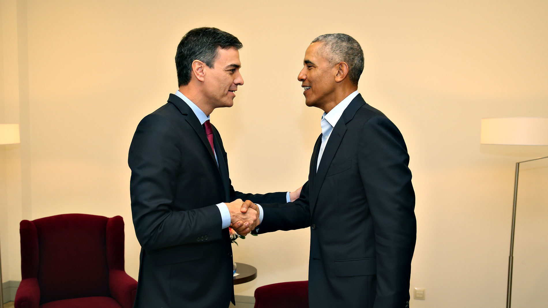 ¿Cuánto mide Barack Obama? - Estatura y peso - Real height and weight 4656099