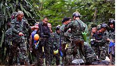 Los equipos de rescate trabajan por tercer día para evacuar a las cinco personas que continúan en la cueva de Tailandia