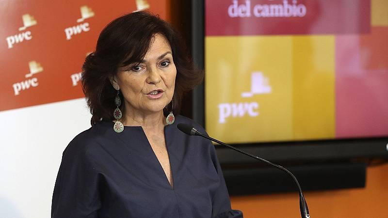 Carmen Calvo se compromete a impulsar la paridad en los consejos de administración