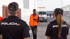 El Gobierno crea mando único para coordinar las actuaciones en materia de inmigración en las fronteras y el Estrecho