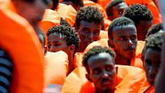 El Aquarius solicita un puerto seguro para desembarcar a 141 migrantes