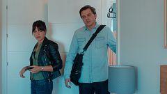 Sabuesos - Alberto y Max entran en el apartamento de Salva