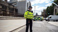 Investigan como ataque terrorista un atropello en el Parlamento británico que deja tres heridos