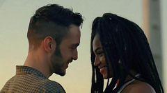 Corazón - Berta Vázquez y C. Tangana, juntos en Ibiza