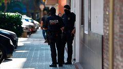 """La Mañana - Abatido un hombre armado que pretendía atacar una comisaría al grito de """"Alá es grande"""""""
