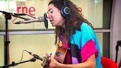 """Las mañanas de RNE - Alice Wonder canta """"The world is changing me"""""""
