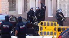 """Los Mossos defienden la actuación """"proporcionada"""" y """"adecuada"""" de la agente que abatió al atacante de Cornellà"""