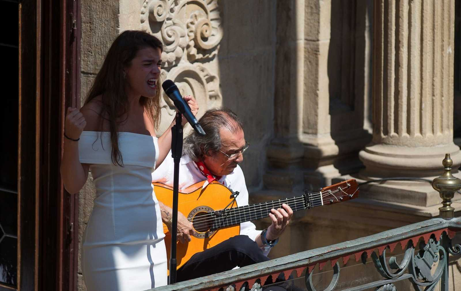 Telediario - Amaia inagura el festival 'Flamenco on fire' de Pamplona