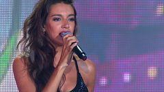 OT Bernabéu - Ana Guerra canta 'La bikina'